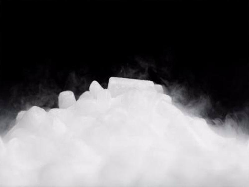 今天给大家解释干冰遇水为什么会冒烟